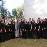 Collegium Musicale koos helilooja Erkki-Sven Tüüriga hetk pärast Tüüri verivärske kooriteose Missa bresvi Eesti esiettekanne